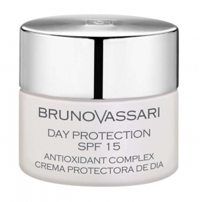 Crema de final cu factor de protectie 15-White DAy Protection SPF 15